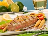Мариновано филе риба тон с портокалов сок, соев сос и чесън на грил / скара